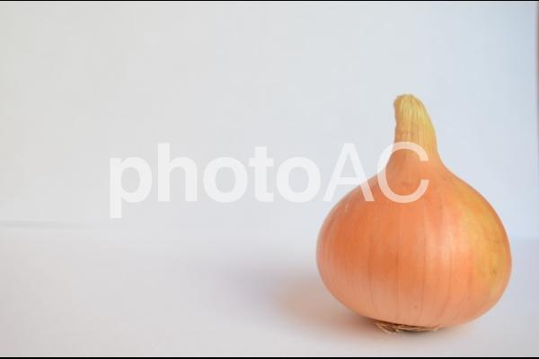 玉ねぎ1個の写真