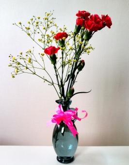 夫 花束 花瓶 赤 ピンク 白 黄色 リボン バラ 6本 花言葉 お互いに敬い 愛し 分かち合いましょう あなたに夢中 愛 美 ブーケ 植物 花 自然 風景 背景 景色 愛しい 愛してる 大好き 好き プレゼント 嬉しい 喜び