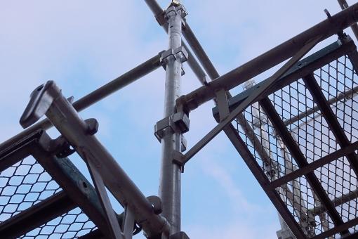 仮設足場の写真素材|写真素材なら「写真AC」無料(フリー)ダウンロードOK