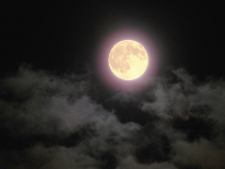 空 風景 景色 自然 雲 夜 満月 暗闇 月 ムーン 夜空 天体観測 月夜 月明かり 天体 宇宙 お月様 月光 月見 お月さま moon ムーンライト お月見