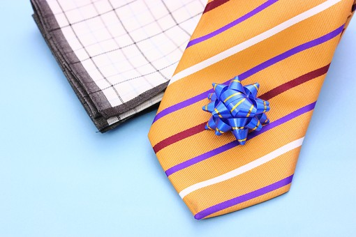 父の日 イベント プレゼント ギフト 行事   明るい さわやか 爽やか  青色 水色 6月 六月 感謝 贈る 青バック  ネクタイ  青バック ハンカチ はんかち