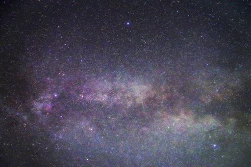 天の川 夏の大三角 星空 星 夜空 はくちょう座 わし座 こと座 白鳥座 鷲座 琴座 三角形 夏 ベガ アルタイル デネブ 天体 天体観測 ミルキーウェイ 自然 背景 壁紙 スターライト 星明り スカイ sky