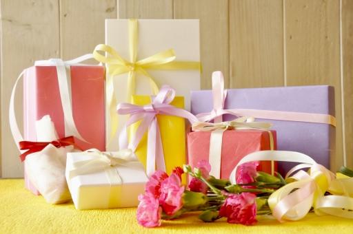 たくさんのプレゼントの写真