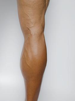 筋肉 マッスル ボディビルダー ボディ 体 人間 人体 男性 男 漢 強い 屈強 頑丈 スポーツ 筋力 筋トレ ボクシング ボクサー トレーニング スポーツジム アスリート ストイック ビルドアップ 憧れ ダイエット ムキムキ 脚 足 ふくらはぎ すね