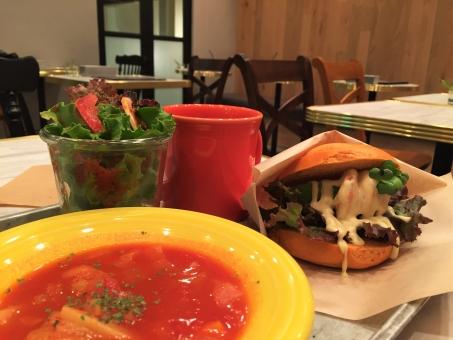 オシャレ おしゃれ ランチ お昼 ごはん カフェ 飲食店 ベーグル サンド スープ 彩り サラダ カフェ飯 自由が丘