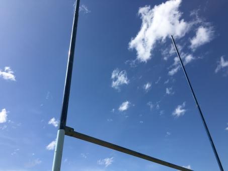 ラグビー 空 ゴール 青空 晴天 スポーツ