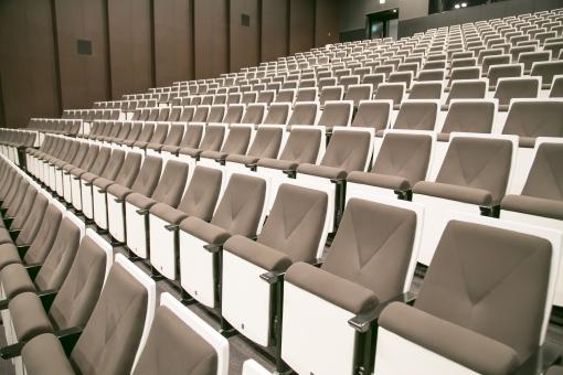 コンサートホール ホール コンサート 椅子 ステージ 観客 席 リサイタル 演劇 劇場 オーディエンス 列 舞台 建物 屋内 室内 施設 イス