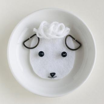 かわいい 背景 可愛い カード 白い 干支 ひつじ ヒツジ 羊 未年 バックグラウンド 壁紙 年賀状 年賀 年始 羊年 屋内で 白い未年
