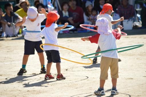 運動会 子供 こども 子ども 子供達 フラフープ 10月 秋 赤白帽子 行事