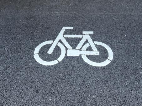 背景素材 背景イメージ イメージ バック バックイメージ ベース ベース素材 下地 デザイン素材 素材 駐輪 駐輪場 駐輪スペース 案内 図 絵柄 自転車 チャリ チャリ置き 置き場 目印 マーク 印 しるし ルール 規則 決まり サイン アスファルト 作図 描く マナー スペース 場所 bicycle bike mark 図柄 絵 ピクト ピクトグラム デザイン 示す 案内図