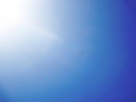 青空 空 光 太陽 サンシャイン 神 神様 宇宙 天使 晴天 明るい キラキラ きらきら アメージング やわらか 幸せ 青 紫外線 輝き きらめき 幸運 happy 愛 愛しい 健やか 夏 秋 冬 日差し 陽射し 暖かい 暑い 灼熱 真夏 強い 強烈 春 背景 壁紙 テクスチャー テクスチャ バックグラウンド バックグランド イメージ 癒し ヒーリング リラックス セロトニン 健康 パワー 力 爽やか さわやか