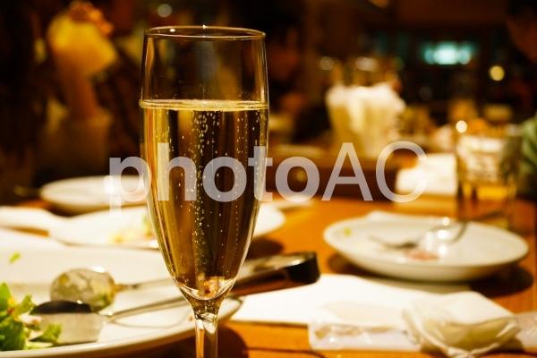 スパークリングワインのイメージの写真