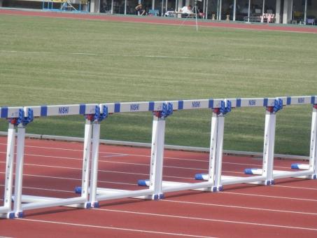 ハードル 陸上 陸上競技 100メートル 110メートル 陸上競技場