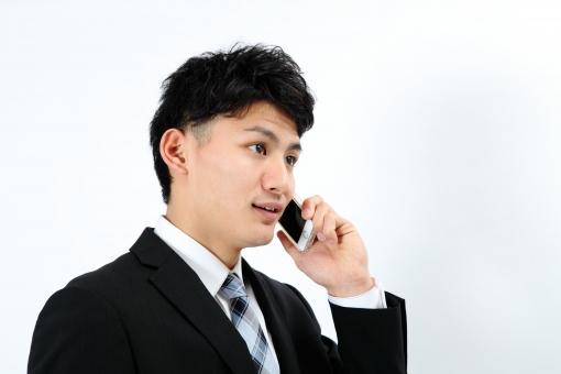 人物 生物 人間 男性 若い 青年 アジア アジア人 日本 日本人 ポーズ モデル スーツ ジャケット ビジネス 就活 フォーマル バストアップ 上半身 電話 携帯電話 スマートフォン アップル iPhone テクノロジー 技術 IT 通信 端末 通話 話す mdjm002