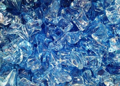 アイスブロック 氷 フェイクフード 食品サンプル 夏 海 青 水色 テクスチャ ロック 偽物 作り物の氷 にせもの 飾り枠 背景 プラスチック