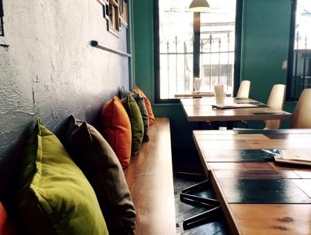 カフェ 自由が丘 クッション かわいい カワイイ おしゃれ オシャレ 飲食店 レストラン ランチ お茶 デート 店内 内装