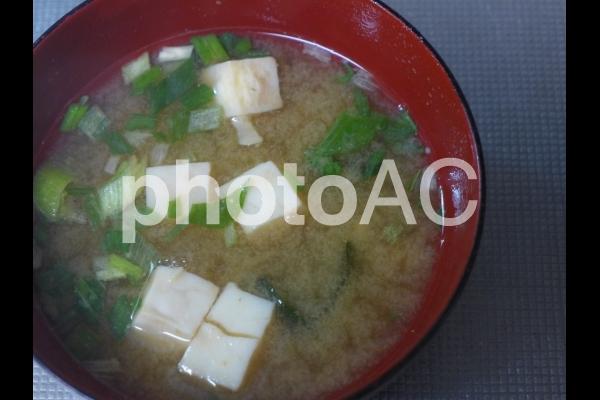 お味噌汁002(豆腐と長ねぎ)の写真
