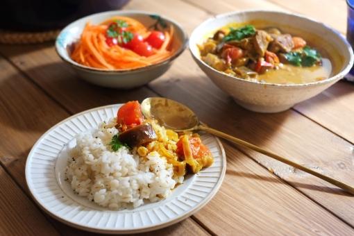 スープカレー インドカレー カレー かれー カレーライス curry トマト サラダ さらだ 辛い 料理