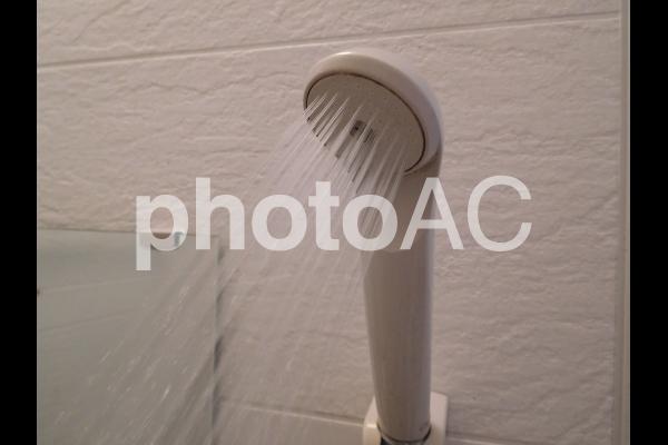 風呂場のシャワーの写真