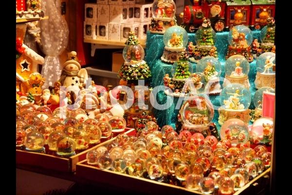 ドイツのクリスマスマーケットの写真