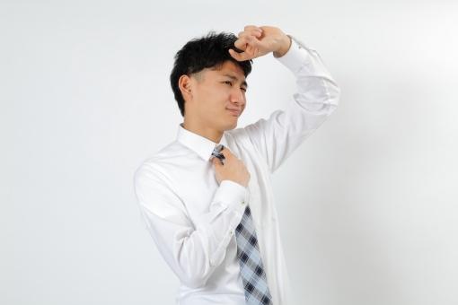 人物 生物 人間 男性 若い 青年 アジア アジア人 日本 日本人 ポーズ モデル スーツ ビジネス ワイシャツ ネクタイ バストアップ 上半身 ボディランゲージ 示す 伝える 意志 コミュニケーション  暑い まぶしい 夏 汗 mdjm002