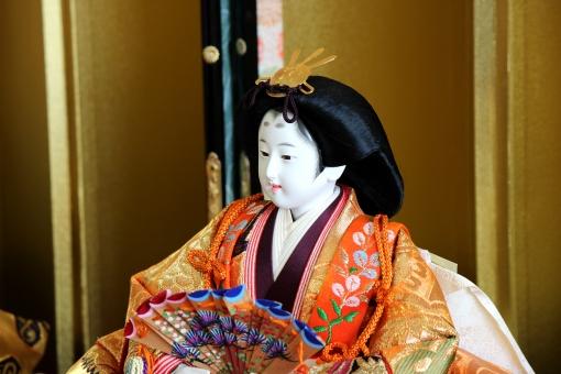 お雛様 女性 十二単 着物 きもの 扇子 せんす 人形 ひな人形 雛人形 屏風 金屏風 日本髪 大和 古来 古風 華やか 古式 正装 日本 雛祭り ひな祭り 桃の節句 節句