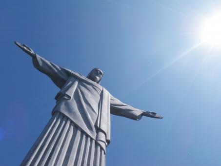コルコバード キリスト像 ブラジル オリンピック リオオリンピック ワールドカップ リオデジャネイロオリンピック キリスト 像 リオ リオデジャネイロ 丘 巨大 1931年 独立 100周年 記念 建設 高さ シンボル 象徴 世界遺産 山  カリオカ 景観群 2012年 2016年 ブラジルワールドカップ ブラジルオリンピック