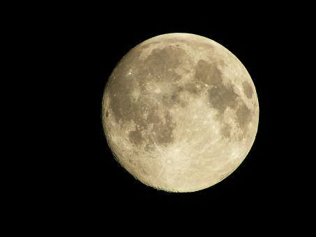 月 天体 お月様 ムーン moon 空 満月 十五夜 望月 フルムーン 夜 夜空 月夜 光 月光 クレーター 月面 天体観測 宇宙 衛星 風景 お月見 自然 背景 ムーンライト