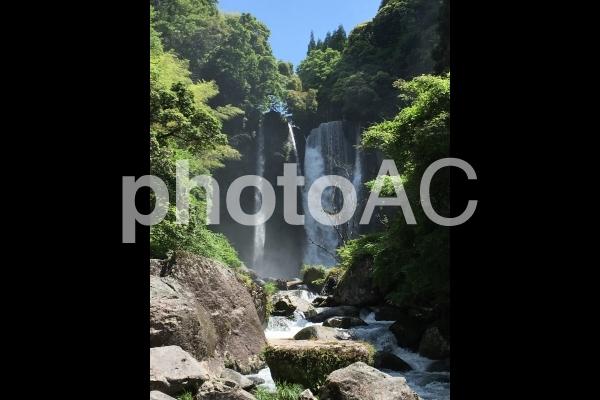 坂本龍馬とその妻お龍が訪れた、霧島市犬飼滝の写真