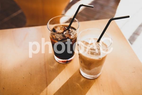 カフェでのひと時の写真