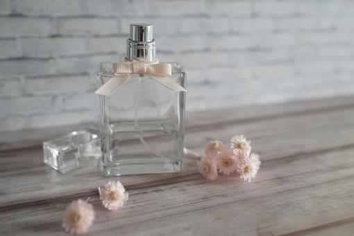 香水の写真素材|写真素材なら「写真AC」無料(フリー)ダウンロードOK