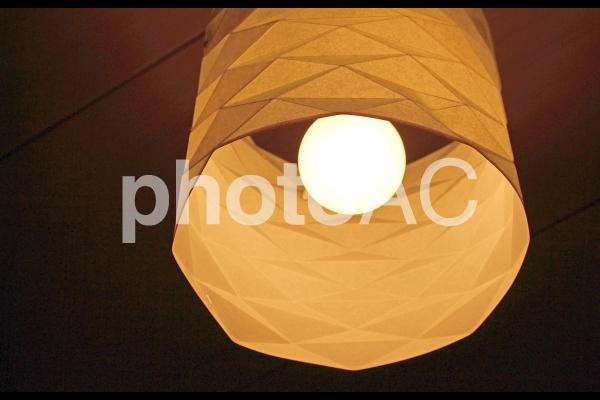 照明(和紙で作られた和室照明)の写真