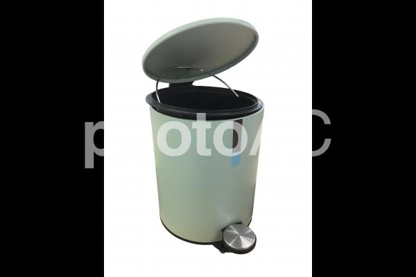 ゴミ箱(白背景)の写真