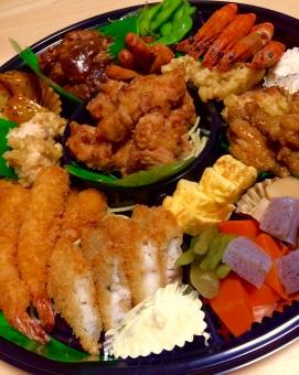 お弁当 オードブル エビフライ トンカツ タルタルソース 夕食 フード 昼食 お肉 海老 おいしい 食事 エビ 野菜 魚介類 唐揚げ 弁当 栄養 料理 プレート