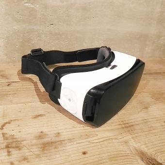 現代の 樹脂 科学技術 設備 流行 アクセサリー ポータブル 企業 電話 装置 木材 電子工学 家族 レンズ 屋内で ゲーム 次世代 バーチャルリアリティ vr 仮想 仮想空間 未来