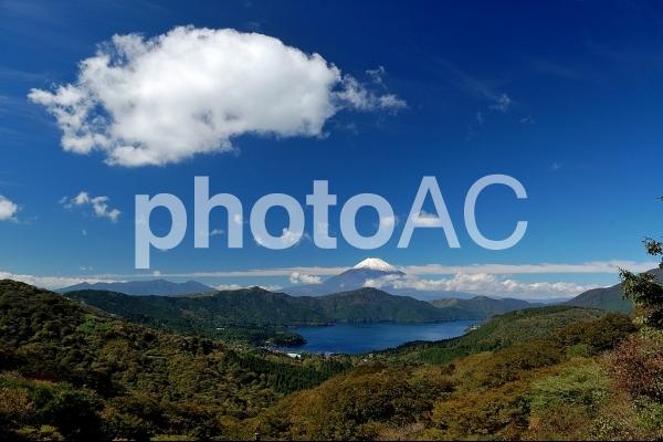 青空と富士山の写真