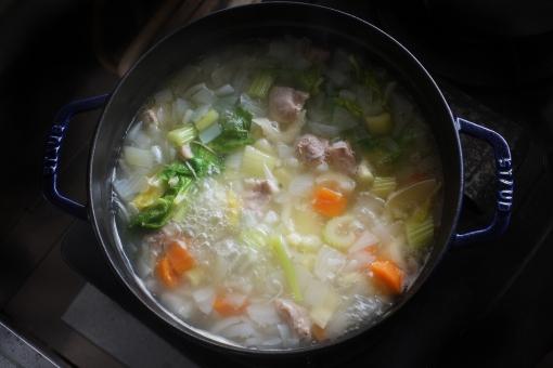 料理 料理写真 野菜スープ 野菜 煮込み 鍋 ぐつぐつ 煮る ごはん 冬の料理 シチュー ポタージュ cooking クッキング soup food 食べ物 調理 u