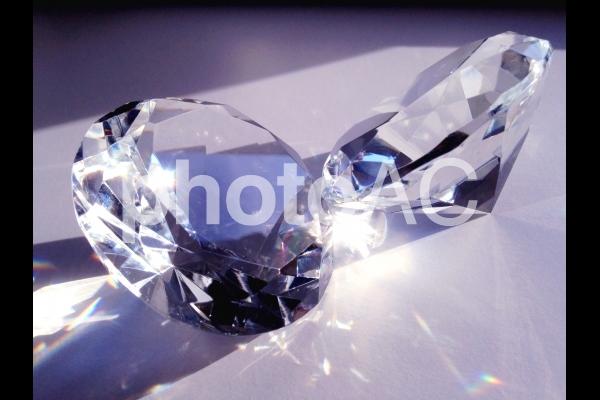 ダイヤ風の置物(2つ)の写真