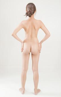 人物 女性 ヌード 裸 体 ボディ 全身 全裸 エステ 美容 健康 ダイエット シェイプアップ ボディケア 肌 プロポーション 理想 セクシー 美しさ ボディライン 美肌 魅力 中肉中背 くびれ ポーズ 背中 お尻 ヒップ 後姿 後ろ向き モデル デッサンモデル 絵画モデル 美術 白背景 スタジオ撮影