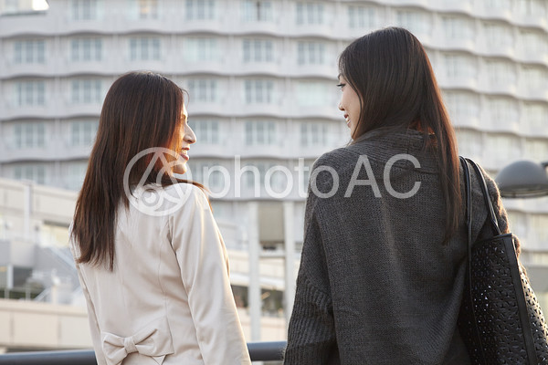 女性の二人旅38の写真