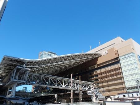 ステーション 駅 大屋根 駅ビル 大きい 青空 快晴 晴天 青 広い でかい ビッグ 大阪 大阪駅 梅田