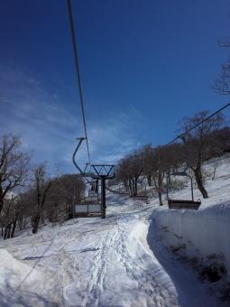 月山スキー場のリフトの写真