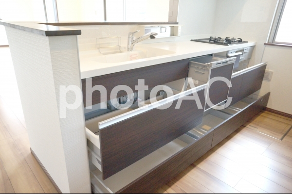システムキッチンの収納の写真