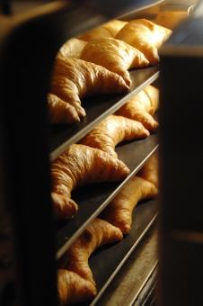 クロワッサン パン ベーカリー パン屋 トースター 焼き立て オーブン オーブントースター 朝食 ブレッド カフェ 職人
