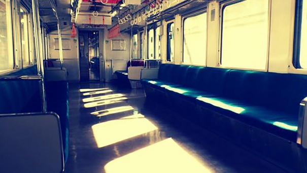 電車車内に関する写真写真素材なら写真ac無料フリー