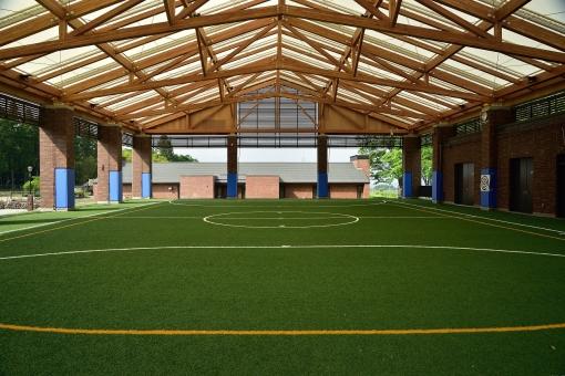 屋内 競技場 天井 屋根 ドーム 人工芝 多目的 スポーツ サッカー フットサル