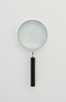 ルーペ 虫眼鏡 天眼鏡 拡大 研究 調べる 見る 観察 調査 ズーム 凸レンズ レンズ 切り抜き用素材 合成用素材 白バック