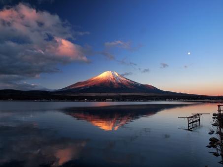 月 富士山 鏡富士 逆さ富士 山中湖 朝