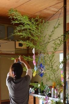 親子 母 家庭 手作り 竹 玄関 飾りつけ 工作 折り紙 七夕 七夕飾り