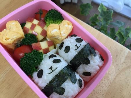 キャラ弁 お弁当 幼稚園 遠足 簡単 遠足 かわいい カワイイ ハート 卵 卵焼き パンダ 弁当 子ども